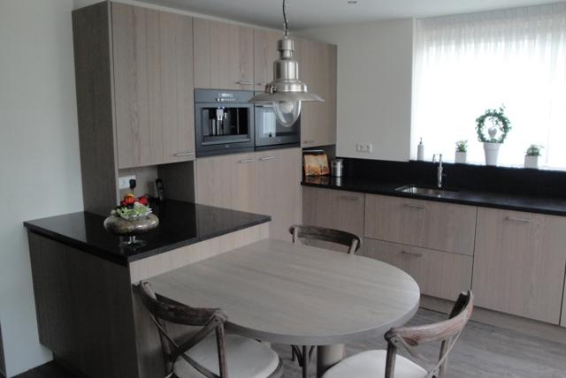Eiken Keuken Fronten : Eiken keuken 11 Keukens Konings (Essen)
