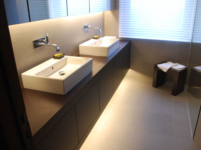 Moderne Keukens Belgie : Badkamer meubel 2 Keukens Konings (Essen)