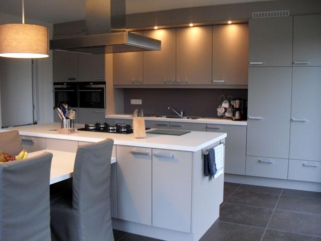 Moderne Tijdloze Keuken : Tijdloze keuken 1 Keukens Konings (Essen)
